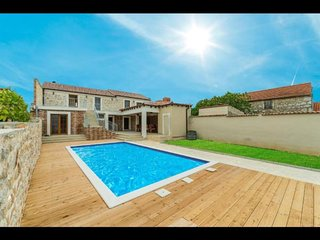 Stone villa Anita with pool for 12 person