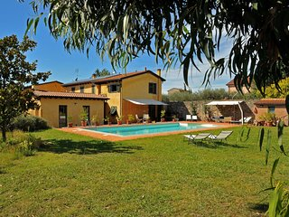 VILLA ARTE 14P Luxury Country House with Private Pool, BBQ WiFi Near to 5 Terre