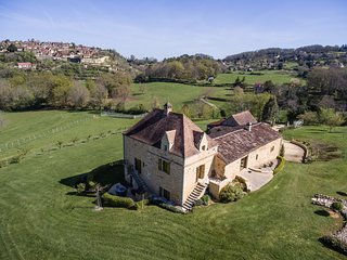 MANOIR DU COLOMBIER - SUPERBLY EQUIPPED HIGH QUALITY PROPERTY WITH AMAZING VIEWS