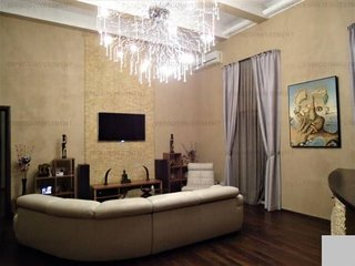 Victoriei avenue luxury suite