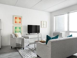 Roomy 1BR  | WiFi | Center City