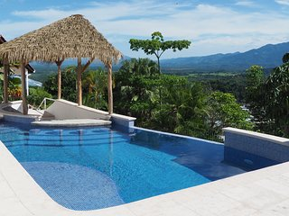 Casa Lucero, Hillside Home, Private Infinity Pool w/Bar, Ocean & Mountain Views
