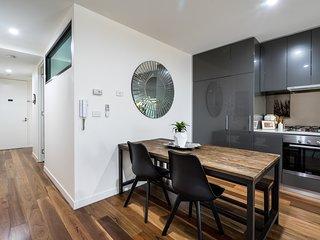 Go4 Port Melbourne Apartments..close to beach/city