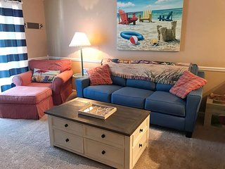 One Bedroom Cozy Quiet Condo in Garden City Beach*sleeps 4/5~1mile to Beach