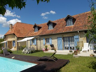 La Lavande - Spacious Stone Cottage, 10mins walk to Montignac centre.
