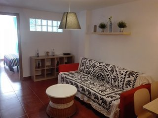 Spacious Apartment in the Center. Free Wifi - A/C