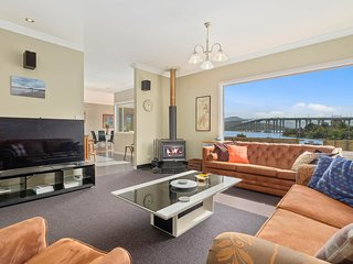 Waterfront View City Cottage Hobart