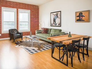Premier 2BR at The Galleria by Sonder