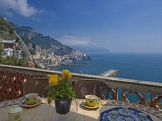 Amalfi Apartment Sleeps 4 with Air Con and WiFi - 5229075
