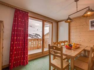 Spacious + Bright Mountain Retreat | Close to Ski Pistes!