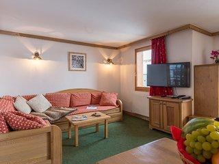 Appartement 6 pieces spacieux pour 12 | A cote des pistes!