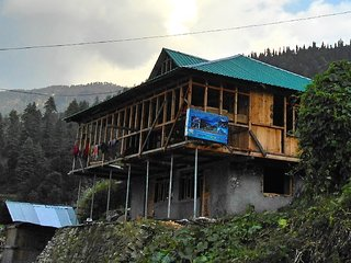 Eco Village Stay - Village Sankri