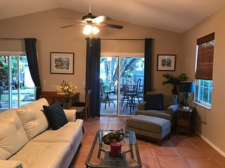 "Home Sweet Florida Home in Historic ""Garden"" District, alquiler de vacaciones en New Port Richey"