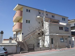 Two bedroom apartment Makarska (A-16161-b)