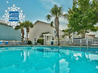 **2018 DISC** Cottage Near Beach &Outlet Mall, Community Pool +FREE VIP Perks