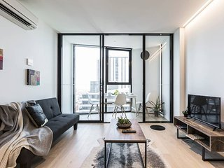 Stunning Lighthouse Melbourne CBD Apartment
