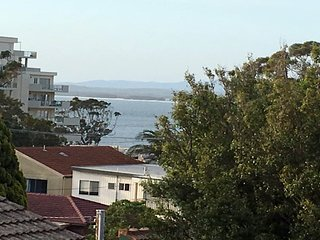 3/4 Victor Parade - great townhouse & walk to the beach