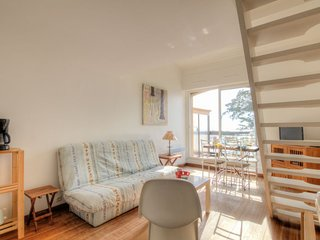 Puyraveau Apartment Sleeps 4 with WiFi - 5059592