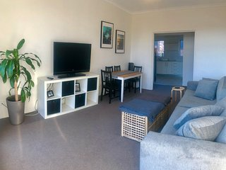 Bondi Sunny Apartment w Parking
