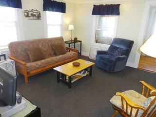 Big Dragonfly - cozy and quaint in the village of Bar Harbor