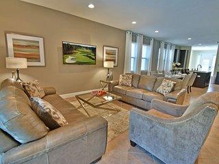 551LD. Stunning 8 Bedroom Encore Resort Pool Home