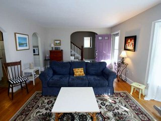 Pet Friendly Rehoboth Home w/Hot Tub, Ping Pong. Sleeps 10 in 5 beds, Free Golf,