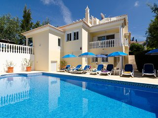 Villa Patameiras - Villa in Carvoeiro - Private pool - 4 bedrooms