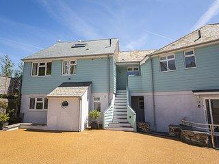 3 CHURCHILL HOUSE, central Salcombe, open plan living space, estuary views