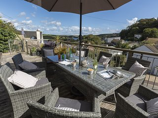 PROSPECTS, estuary view, peaceful Salcombe location, furnished decking