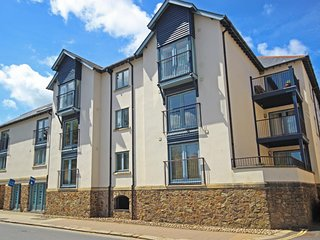 12 DARTMOUTH HOUSE, centrally located apartment with open plan living