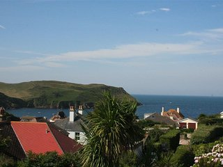 HARMUR, dog-friendly, seaside location, sea and countryside view