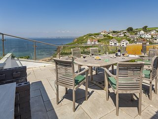 OCEAN VIEW, sea views, coastal location, terrace/gardens, short walk to beach