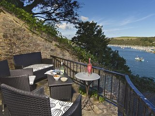 BELL COTTAGE, located in Dartmouth, panoramic River Dart/sea views, two patios,