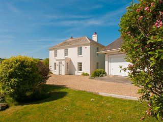 HOLSET HOUSE, luxury country house, rural views, beaches nearby, gardens