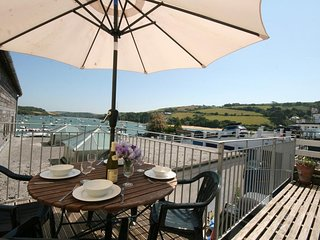 29 FORE STREET, central Salcombe location, estuary views, open plan living space