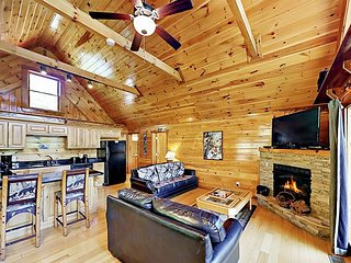 Private Indulgences in Black Bear Falls! 2BR w/ Hot Tub, Pools & Game Room