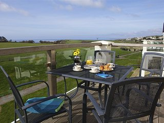 8 THURLESTONE BEACH, first floor apartment, stunning sea views, west facing