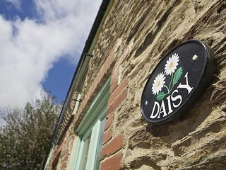 DAISY, two storey barn, set in a quiet hamlet, baby friendly, parking for two