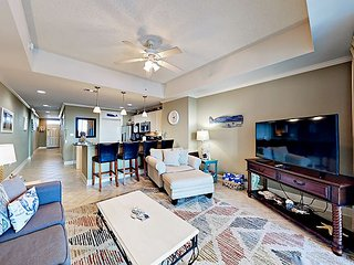 6th-Floor 1BR in The Wharf w/ Marina Views, Pool, Lazy River & Amphitheater
