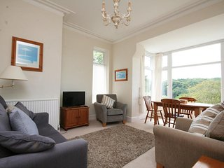 1 HAZELDENE, near the beach, Salcombe, wifi, parking.