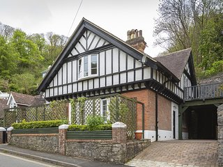 1 THE OLD COACH HOUSE, near Dartmouth, open plan living space, views of Warfleet