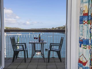 36 THE SALCOMBE, waterside location, estuary views, studio space, parking.
