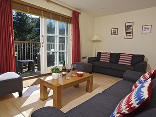 1 COMBEHAVEN, three-storey town house, close to central Salcombe, balcony, garde