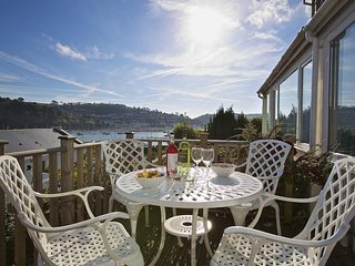 MIDDLE WATCH, period cottage, Dartmouth, balcony, panoramic views