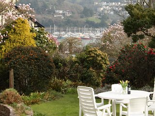 BLACKGATE, River views, balcony, garden, Dartmouth