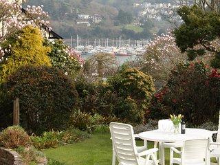 BLACKGATE, River views, balcony, garden, Dartmouth