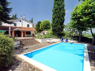Villa with private pool and garden in private location