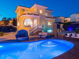 Luxury Villa La Fiesta