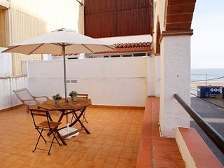 Charmingly Renovated Rustic House, Beach At 30 M