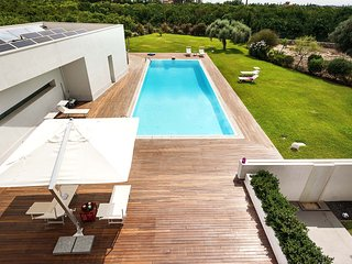 4 bedroom Villa in Floridia, Sicily, Italy : ref 5684672